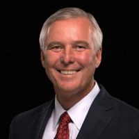 Headshot of business man Jeff Storey