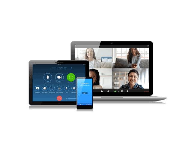 iPhone, tableta y computadora portátil con plataforma Zoom para hacer videollamadas con cuatro personas